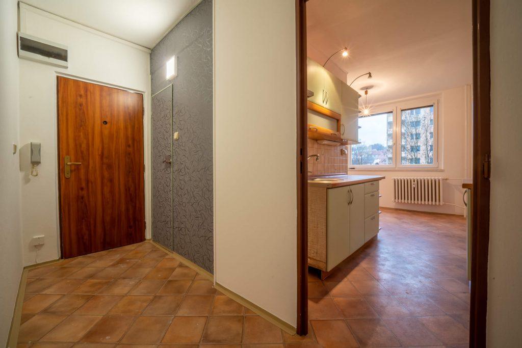 Corridor and kitchen